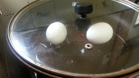 Hard Boiled Eggs: Step 4 cover and steam