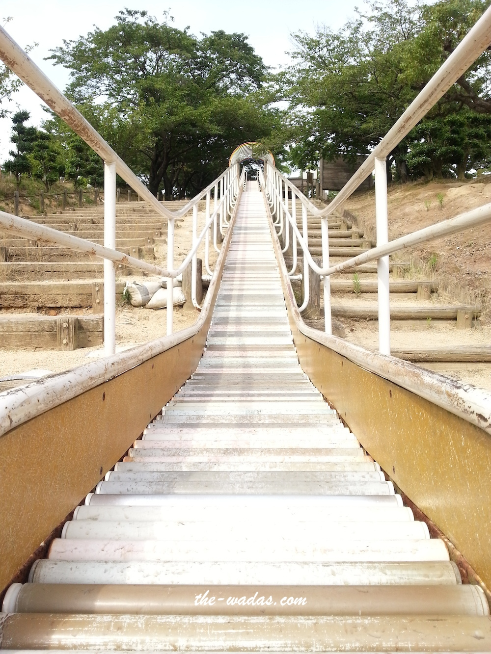 Tanematsuyama Park, Kurashiki City: Long slides