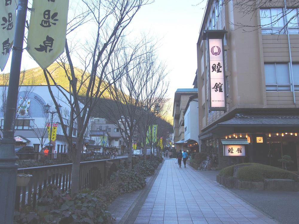 onsen_street_01