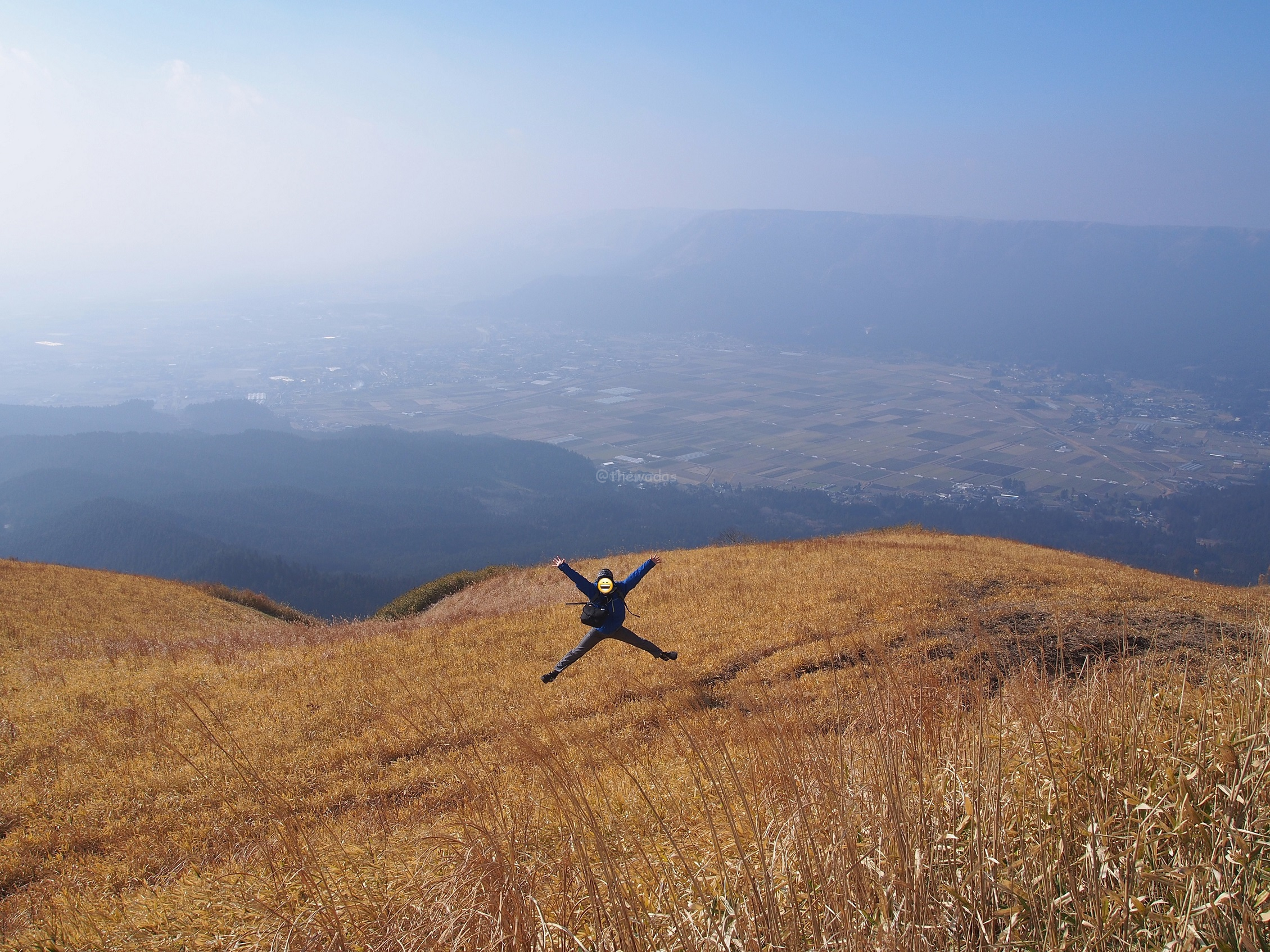 Mt. Aso best view, Daikanbou high jump