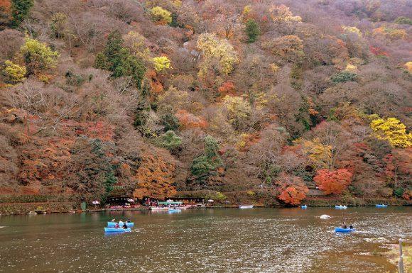 autumn_leaves_in_kyoto_arashiyama