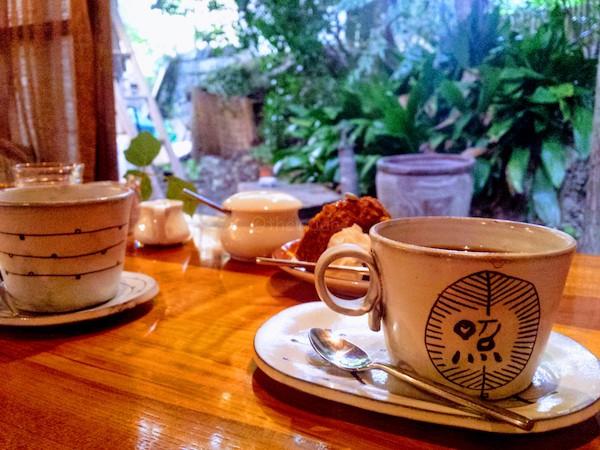Tereya Cafe in Ushimado: coffee and backyard focus