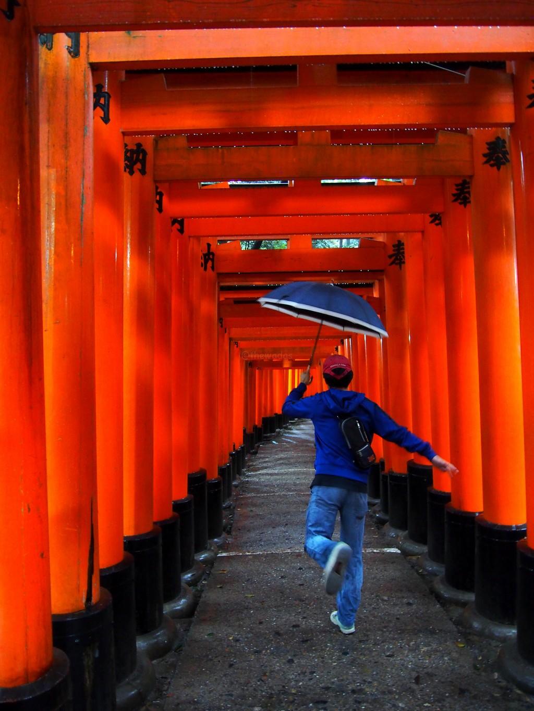 Passing Through 1000 Gates! Senbon Torii at Fushimi Inari Shrine in Kyoto