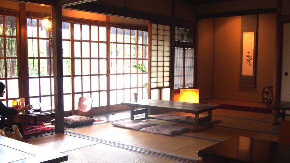 Kohi to Hito Cafe: tatami room