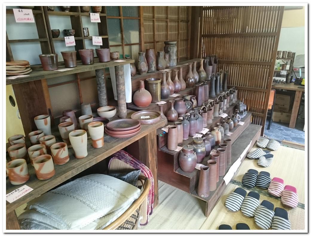Bizenyaki pottery