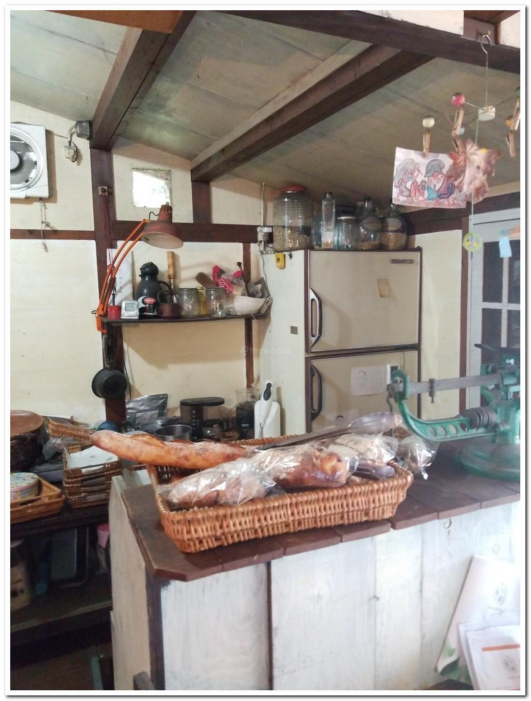 bakery-yukibolo-in-misaki-cho-okayama-09